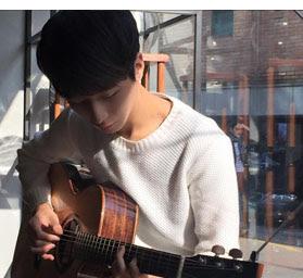 Sức hút từ các chàng trai chơi đàn Guitar