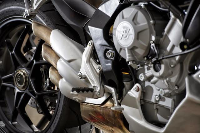 MV Agusta Rivale 800 2014