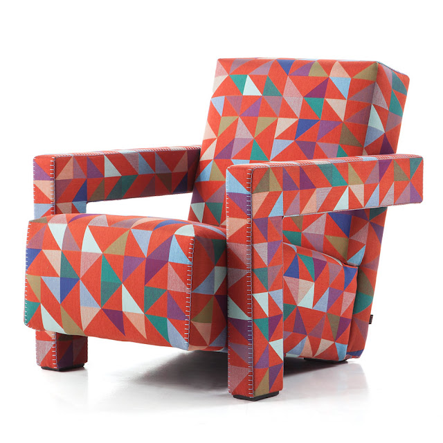 Новости дизайна. Красочная геометрия украсила мягкие кресла марки Cassina