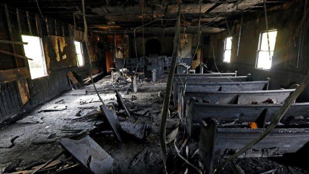 Igreja de maioria negra no Mississippi foi alvo de incêndio criminoso