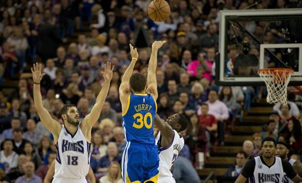 numero de jugadores por equipo de basquetbol