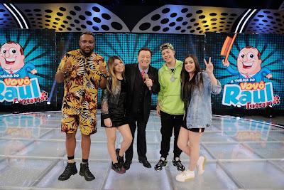 MC Luan, Melody, Raul Gil, MC JottaPê e Bella Angel (Foto: Rodrigo Belentani)