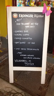"""Ehrlichkeit ist nicht immer von Vorteil - """"Zum Frosch"""" in Berlin."""