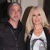 Ο Δημήτρης Αργυρόπουλος και η Μαρία Μπακοδήμου αποχαιρετούν το γιο τους που φεύγει για σπουδές