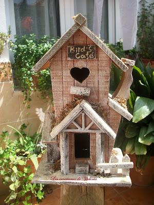 Las creaciones de Victoria.Casa de pájaros.Decoración