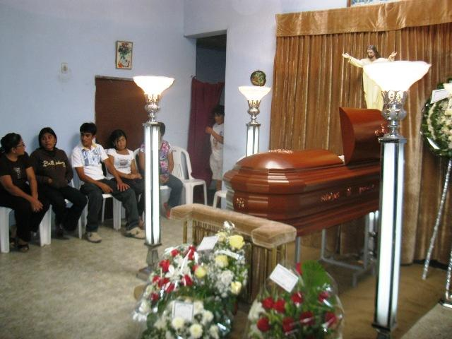 Insólito: Niño despierta en su funeral, pide agua y vuelve a morir