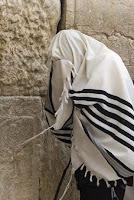 Simbolos judios y su significado tallit -manto de oracion