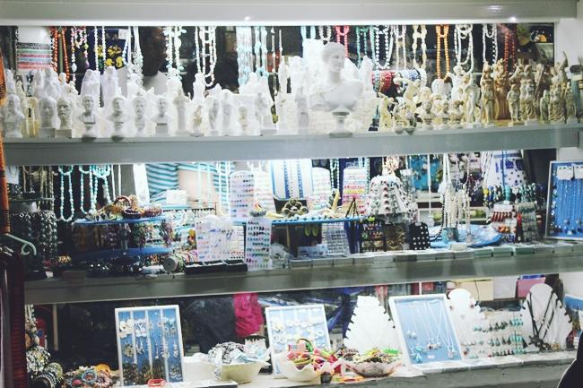 Souvenir shops in Sarti