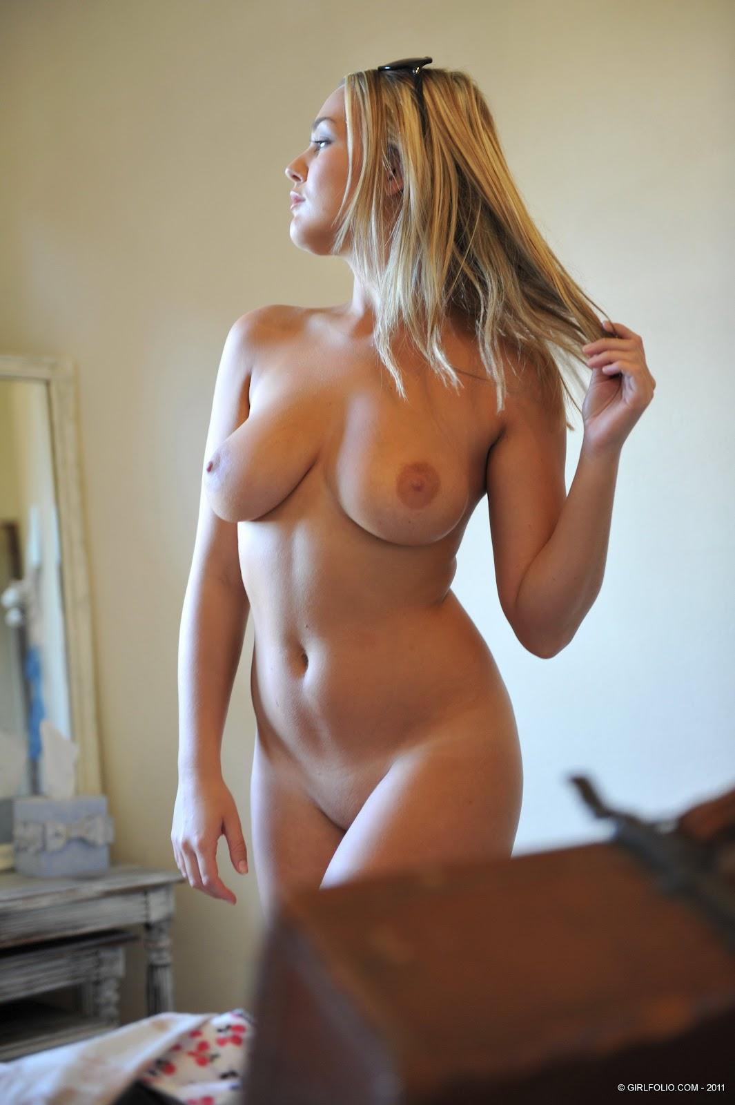 Hot Fully Naked Girls