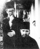 Εγγονόπουλος (αριστ) με τον  Κόντογλου (κάτω) ντυμένοι  μοναχοί τη δεκαετ 1930-40