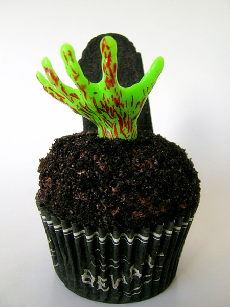 how to make zombie hand cupcakes decorate design