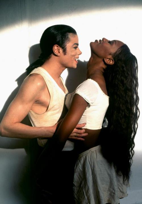 Michael jackson and naomi campbell dating