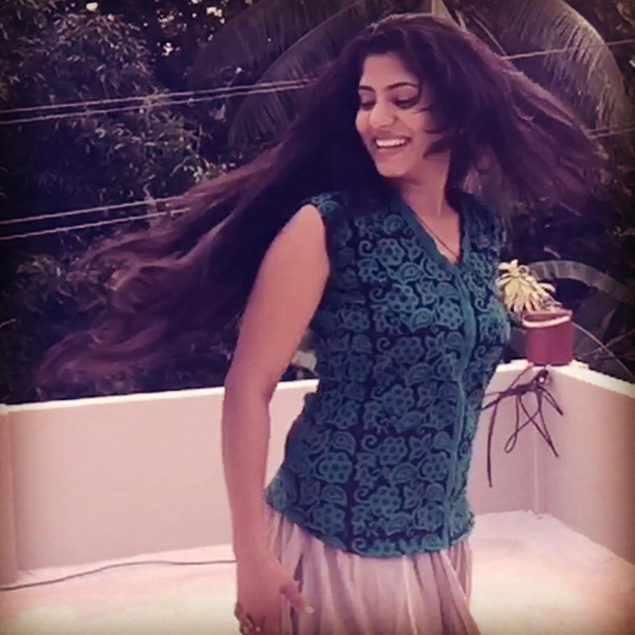 Luka Chupi Actress Chinnu Kuruvila Hot Stills In Saree -5103