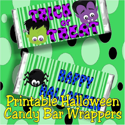 Give a fun candy bar card to your friends this Halloween with these printable Halloween candy bar wrappers. With just a print and a wrap, you'll be giving lots of sweet Halloween treats this year with no trouble at all.  #halloweencandy #candybarwrapper #halloweenprintable #diypartymomblog