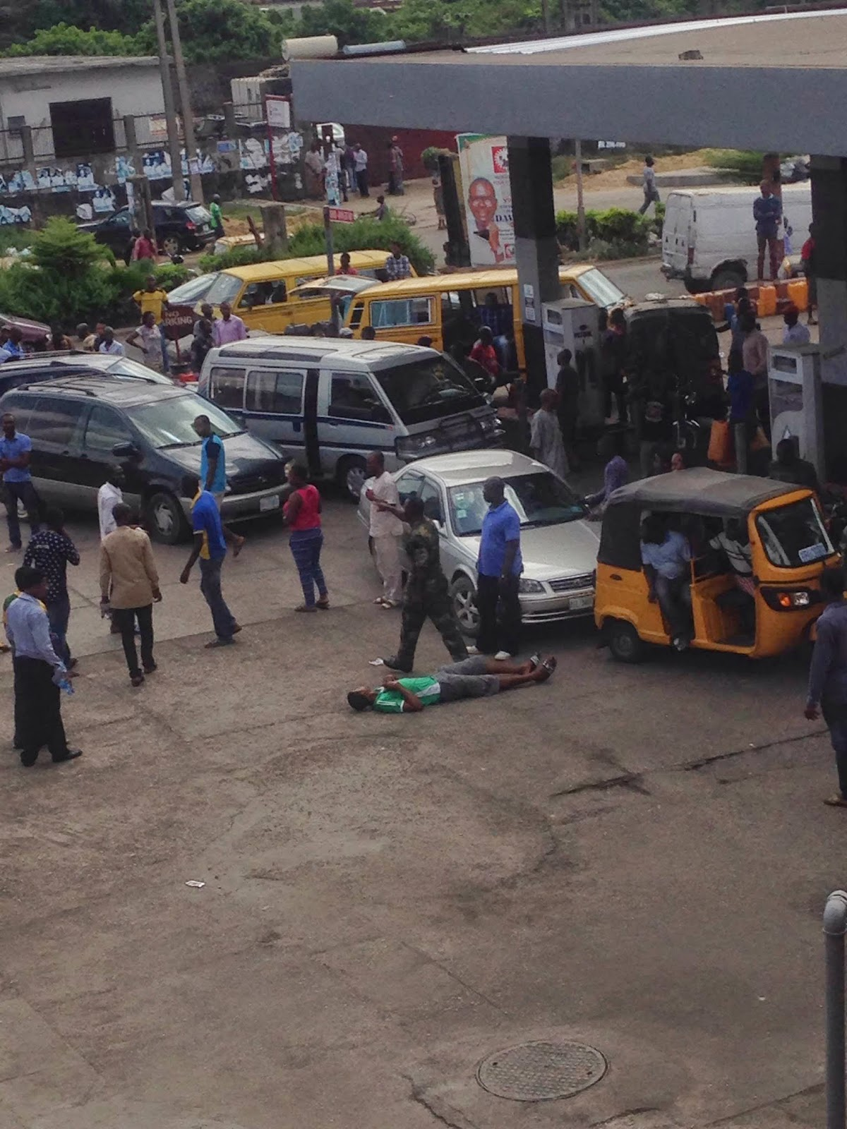 nigerian soldiers civilians lagos gas station