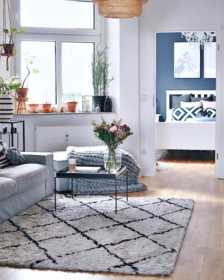 Szarości, prostota i odrobina skandynawii, wystrój wnętrz, wnętrza, urządzanie domu, dekoracje wnętrz, aranżacja wnętrz, inspiracje wnętrz,interior design , dom i wnętrze, aranżacja mieszkania, modne wnętrza, szare wnętrza, styl skandynawski, scandinavian style, urban jungle, salon