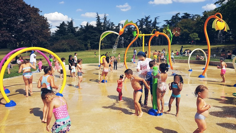 Les jeux d'eau du parc Robert Ballanger