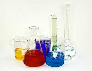 Graduated Cylinder, Graduated Cylinder, Volumetric Flask, Breaker Glass, Rectangular Pan, Round Pan, Mixing Bowl, Sample Can, Thin Box  Graduated Cylinder di surabaya