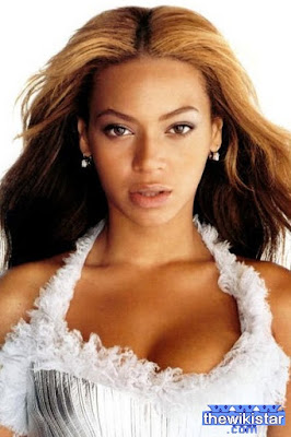 Beyonce, an American singer, born September 198 104 in Houston, Texas.