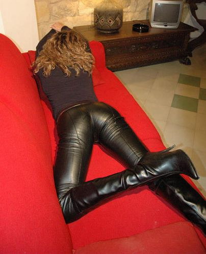 mexican women leather pants