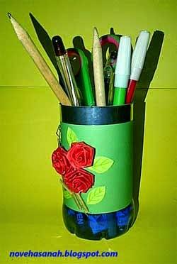Kerajinan Tangan dari Botol Plastik Bekas Tempat Pensil