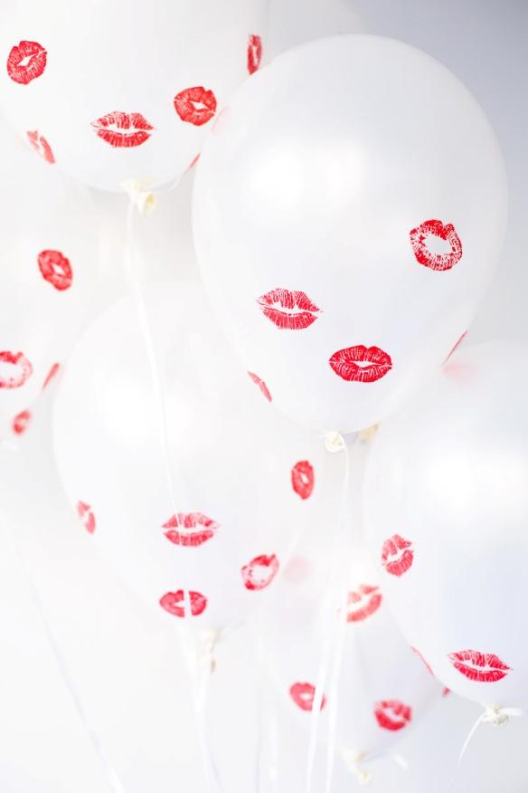 DIY Kissed Balloons   Land of Honey