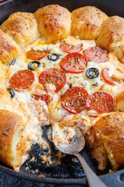 Stuffed Crust Pizza Dip