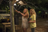 Snatched (2017) Goldie Hawn and Amy Schumer Image 2 (4)