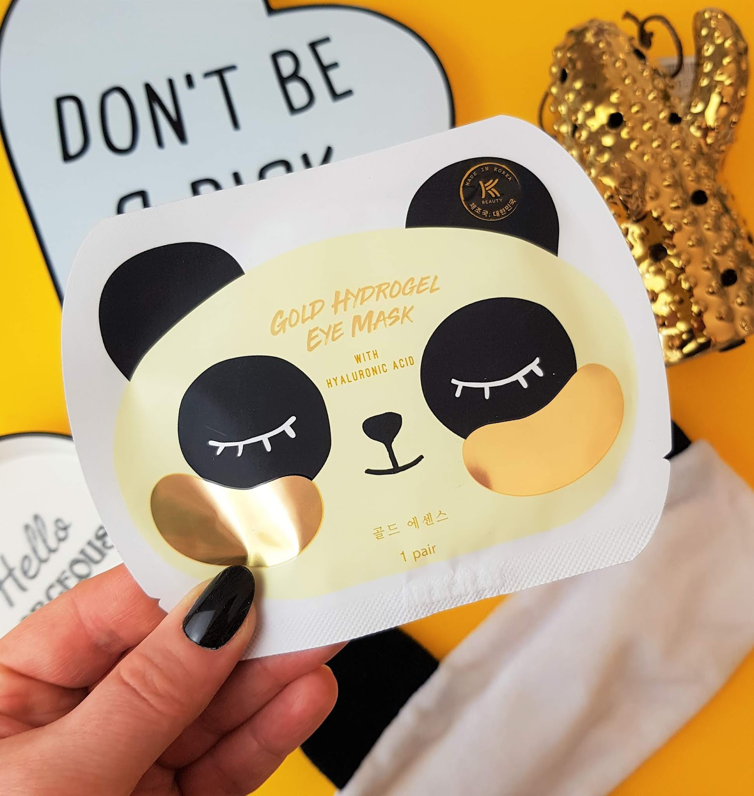 A photo of the K-Beauty Gold Hydrogel Eye Patches With Hyaluronic Acid By AVON