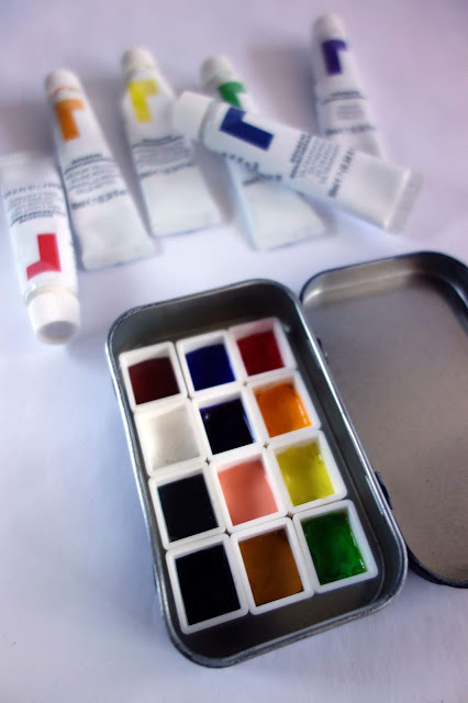 Watercolor half pans, pans for watercolor paint, plastic cubes for paint, watercolor paint, gouache paint