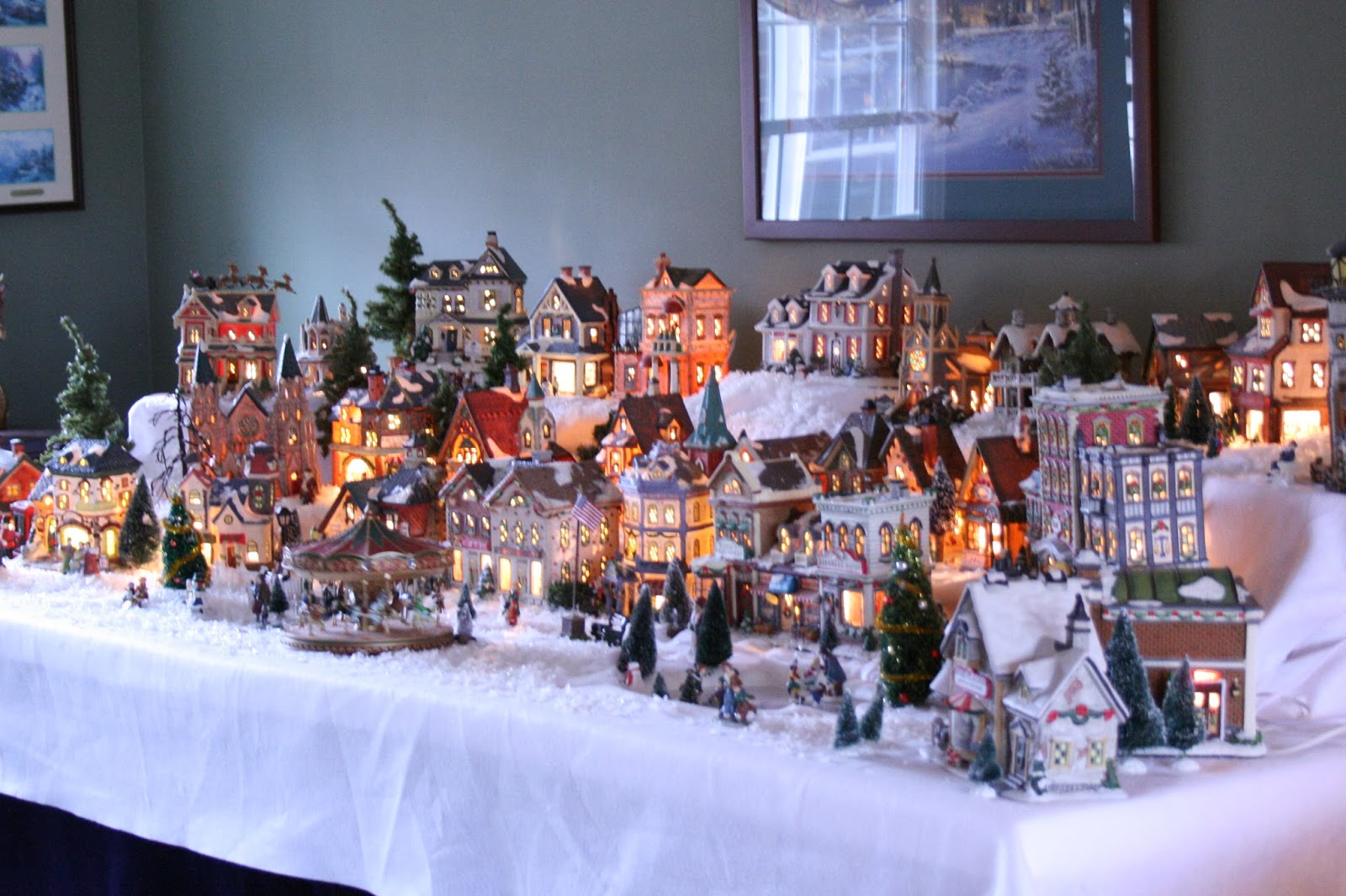 Priscillas: Christmas Village 2013