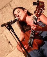 http://musicaengalego.blogspot.com.es/2015/09/fotos-sofia-espineira-na-noite-nas.html
