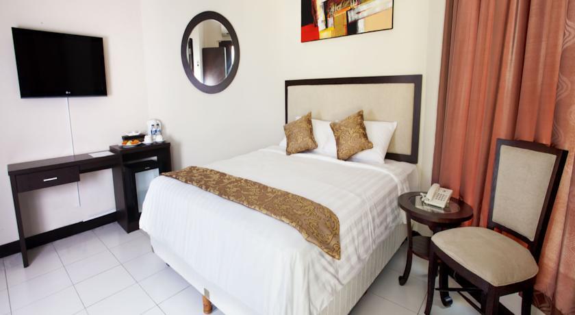 Next Tuban Hotel 4