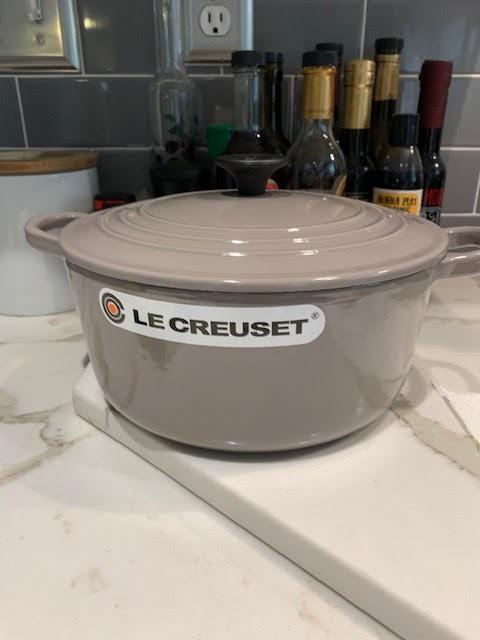 Le Creuset 2 3/4 qt dutch oven