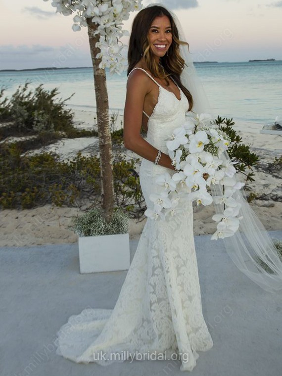 Lace V-neck Trumpet/Mermaid Sweep Train with Ruffles Wedding Dresses