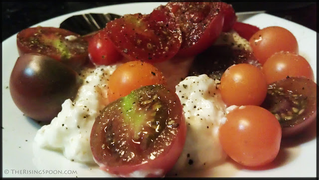 Heirloom and Cherry Tomatoes with Cottage Cheese | therisingspoon.com