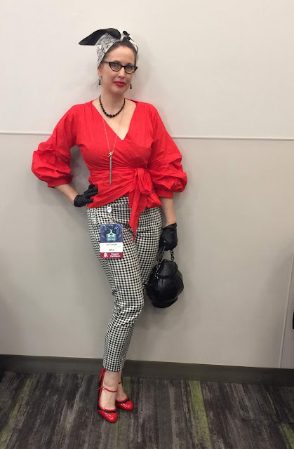 Gail Carriger Wears a Retro Red Blouse with Black & White Check Pedal Pushers for WorldCon 2018 in San Jose