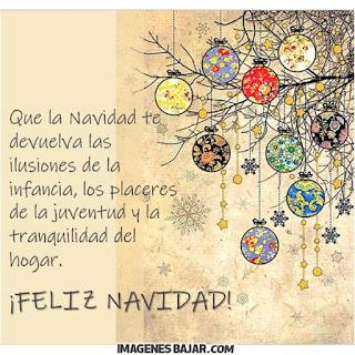 Imágenes de Feliz Navidad para desear Felices Fiestas Bonita tarjeta con adornos navideños y frase para enviar a grupos de Whatsapp