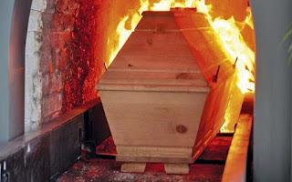 O Que a Bíblia Diz Sobre a Cremação?