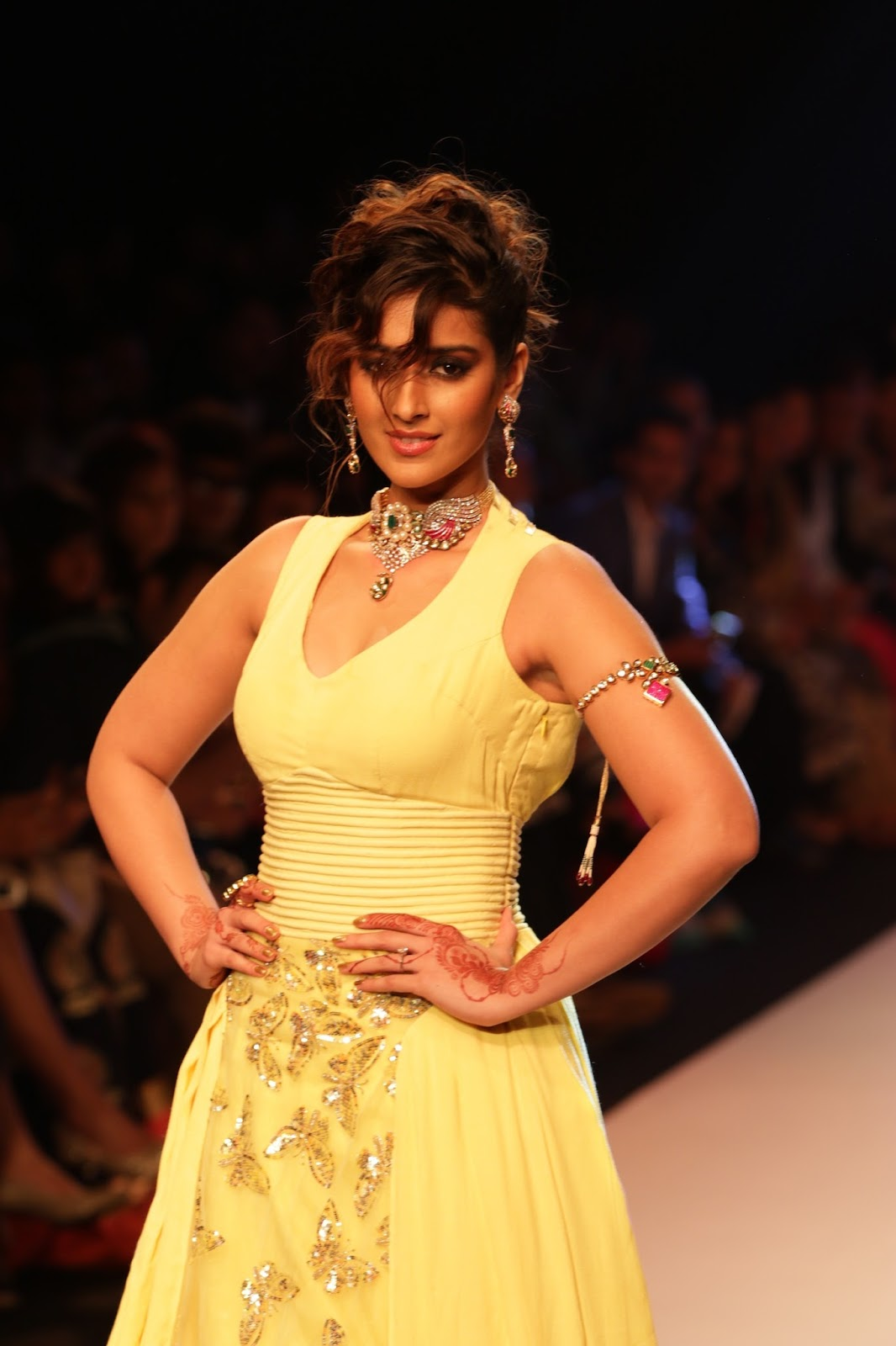 Ileana Ramp Walk Stills at IIJW 2015-HQ-Photo-26