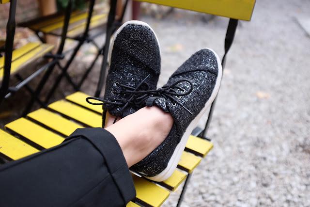 http://www.lilikus.be/2015/09/toms-les-chaussures-ethiques.html