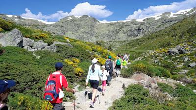 material required for trekking - meraki
