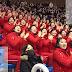 كوريات يشجعن بطريقة طريفة South Korean Cheerleaders.
