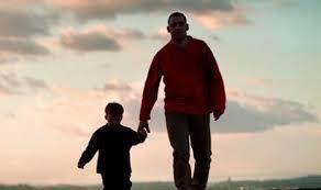 http://abd-holikulanwarislamic.blogspot.com/2015/08/renungan-kisah-ayah-bersama-anaknya.html