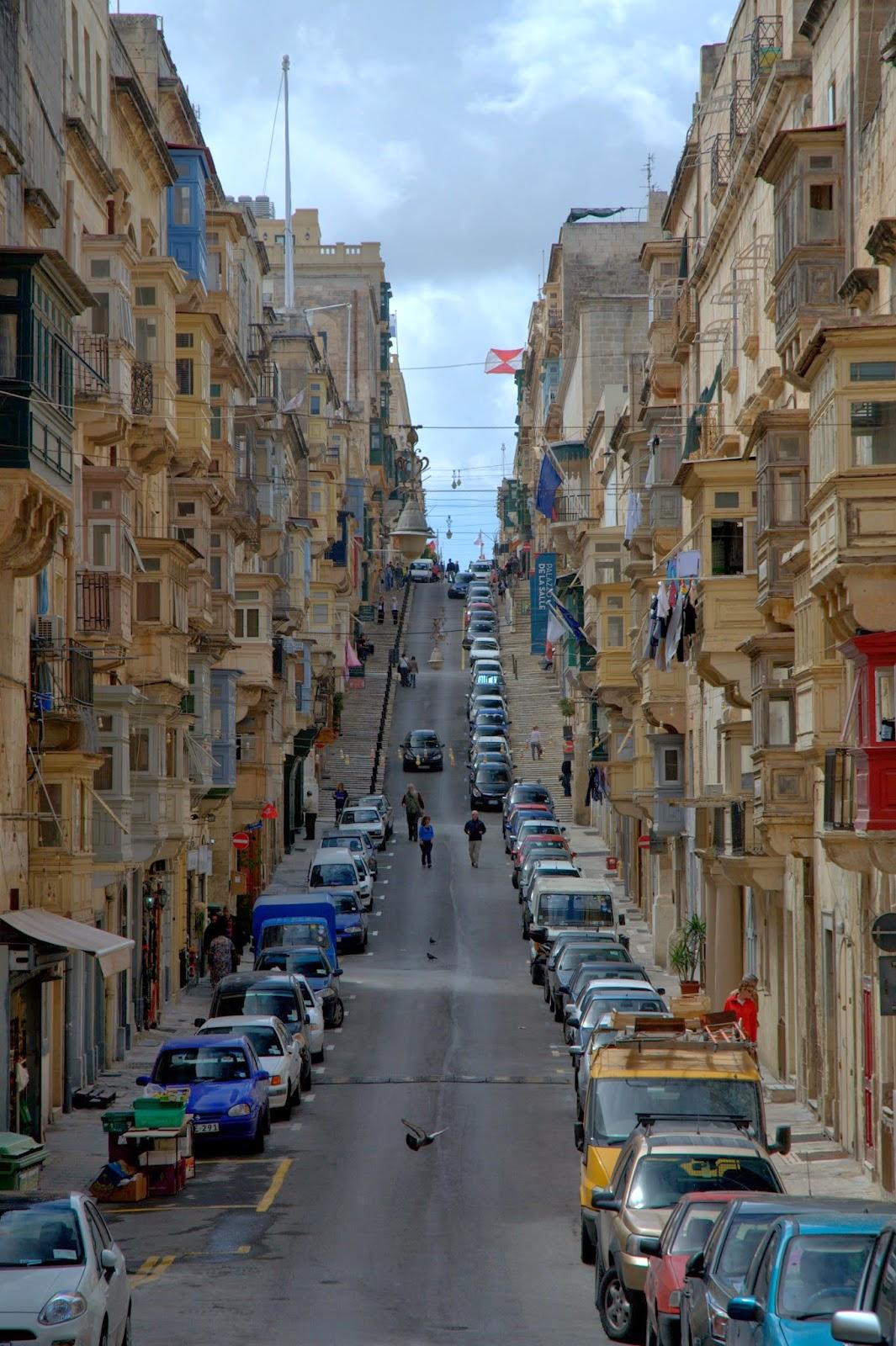 ulice na Malcie i kamienice