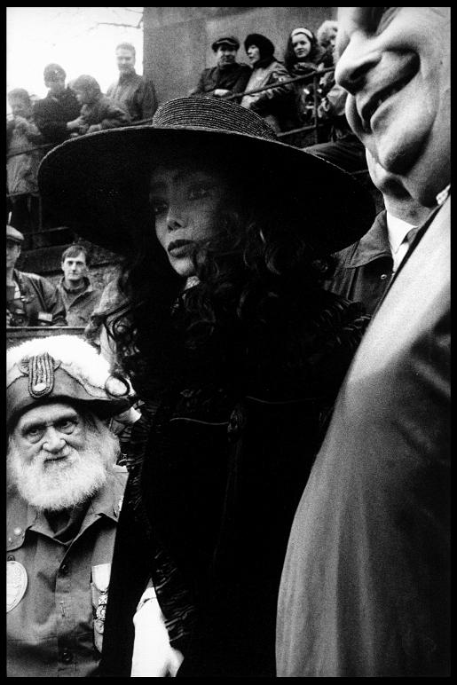 Anatole garde-champêtre de la Commune Libre La Toya Jackson Moulin Rouge transfert en 1992 reine du French Cancan Louise Weber La Goulue cimetière de Montmartre paris franck chevalier