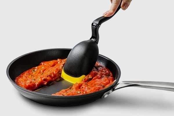 Multi-functional ladle - spadle - twist, turn spoon, innovative product for kitchen use, space saving