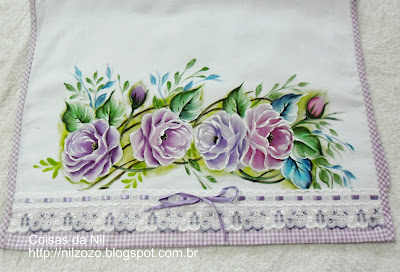 pano de copa com pintura de rosas lilases