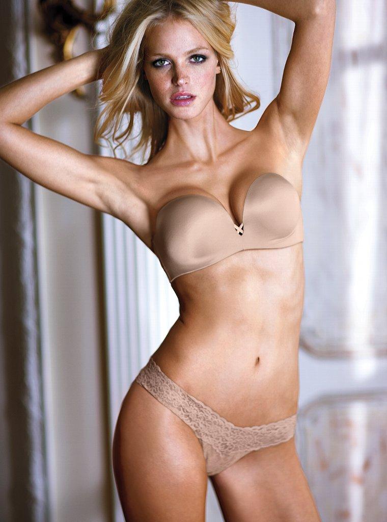 8349f388b4 Erin Heatherton (Victoria s Secret Lingerie Dec 2011) - Models .