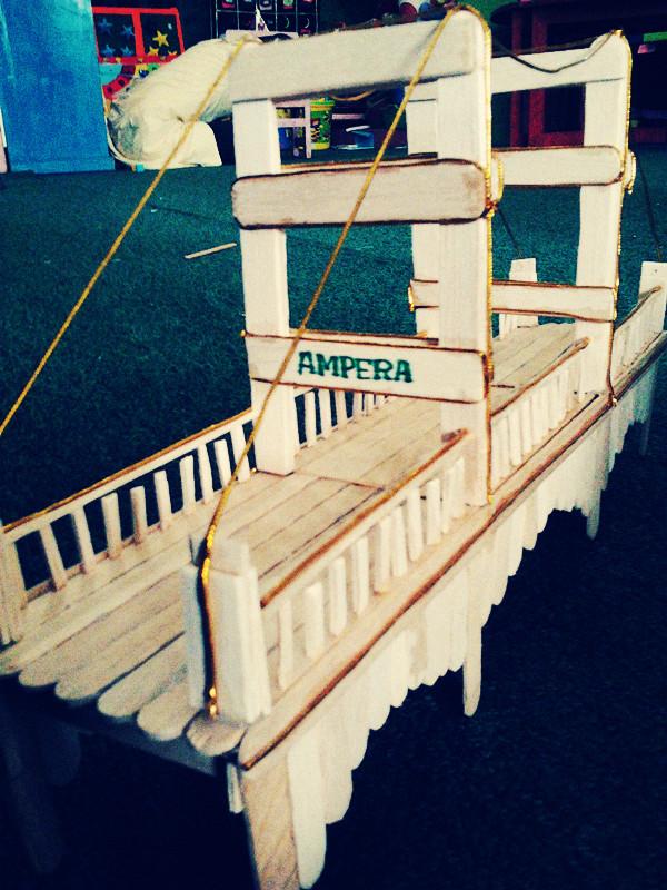 SUKA  SUKA Miniatur Jembatan dari Stick Ice Cream